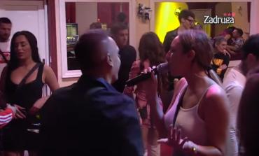 """LUNA se prihvatila mikrofona u Zadruzi - """"Sramota me da je gledam i slušam"""" (VIDEO)"""
