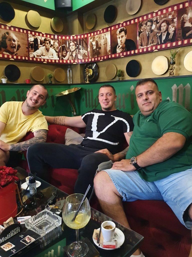"""CAFFE MOLINARI Lukavac – Za Bajram besplatna kafa i baklava, vlasnici poručuju """"Naše malo nekom znači mnogo"""""""